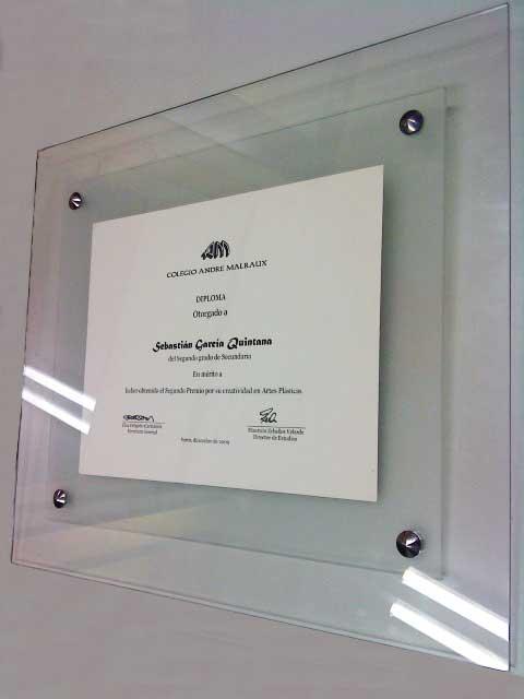 Castillejo valdez diploma 3 for Cuadro cristal sin marco
